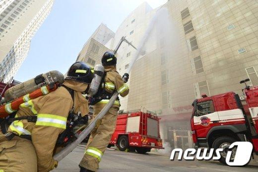 [사진]신속한 화재 진압