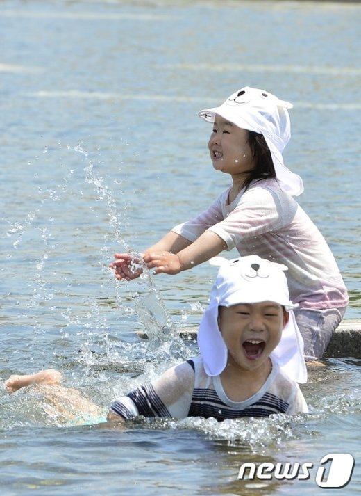 [사진]'동심은 이미 한여름'