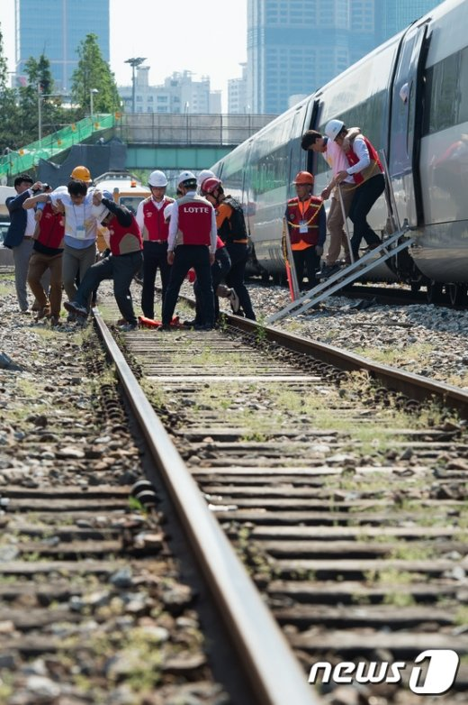 [사진]안전한국훈련 '고속철도 궤도이탈 대응 이렇게'