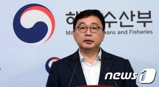 [사진]세월호 선수들그 공정 설명하는 김현태 부단장