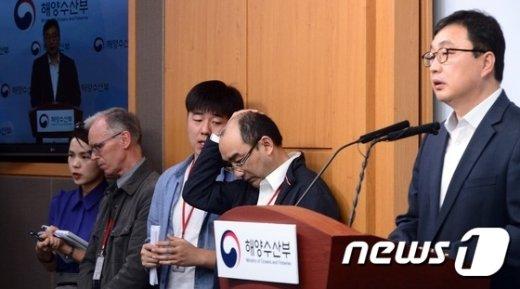 [사진]고심하는 상하이샐비지
