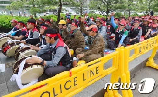 [사진]거리로 나선 대우조선해양 노동자들
