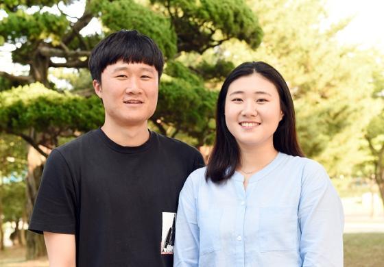 '부산복지발전을 위한 대학생 아이디어 공모전'에서 대상을 받은 부경대 최승훈(왼쪽), 이수진 학생.