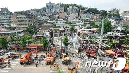 [사진]전쟁터 방불케하는 홍은동 붕괴사고 현장