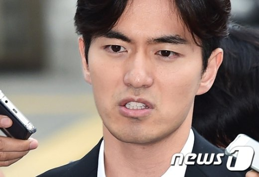 '성폭행 혐의'로 피소된 배우 이진욱씨(35). © News1 권현진 기자