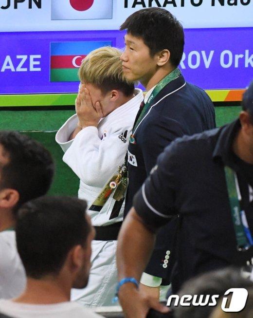 [사진]정보경의 눈물...가슴 저민 이원희 코치