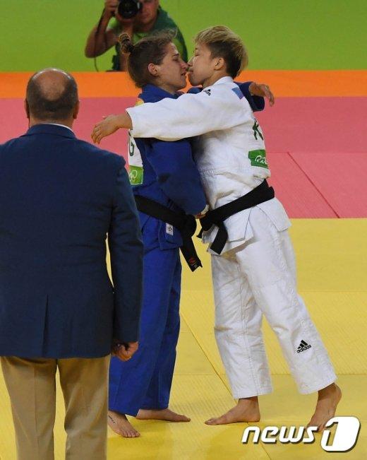 [사진]대한민국 정보경 유도 은메달 획득