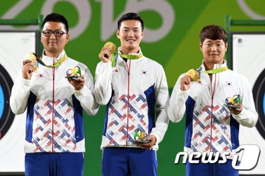 [사진]대한민국 첫 금메달 '남자 양궁'