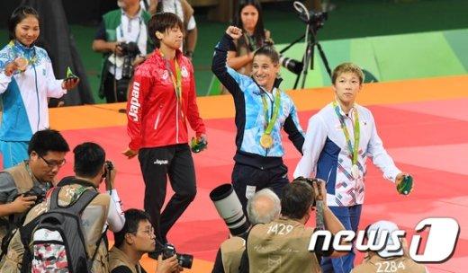 [사진]금메달 차지한 아르헨티나 파울라파레토