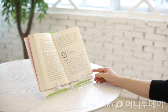[베스트 중기제품]우리 아이 바른자세 잡아주는 '스마트미 팝업 독서대'