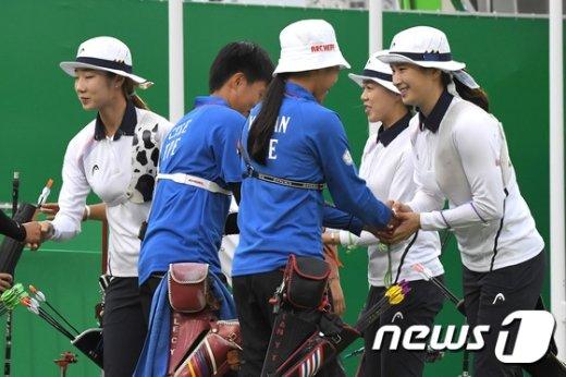 [사진]여자 양궁 단체전 '대만 꺽고 결승행'