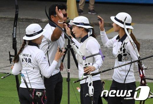 [사진]女 양궁 단체  '대만 꺽고 결승 올라'