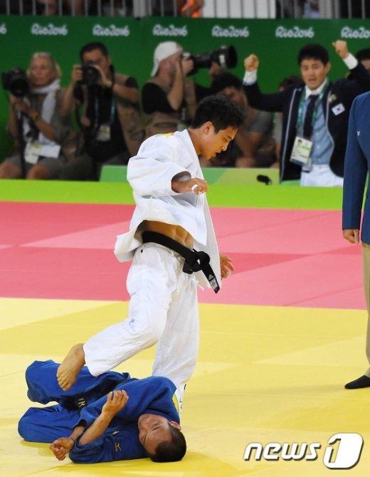 [사진]안바울, '숙적' 일본  마사시 넘으니 금메달이 보인다