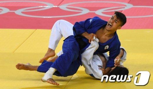 [사진]안바울, 통한의 한판패…男유도 66Kg 은메달 획득