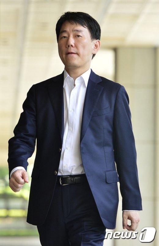 [사진]이장석 대표 '나홀로 검찰 출석'