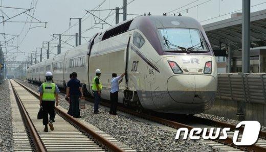 [사진]시범운행 앞둔 수서발 고속철도