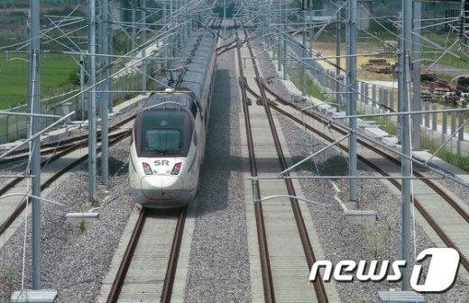 [사진]시범운행 나선 수서발 고속철도 SRT