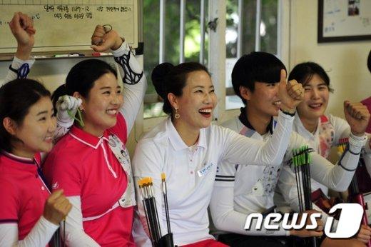 [사진]'한국여자양궁 파이팅'