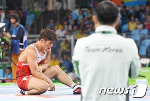 [사진]김현우 '판정 논란, 부상 딛고 값진 동메달'