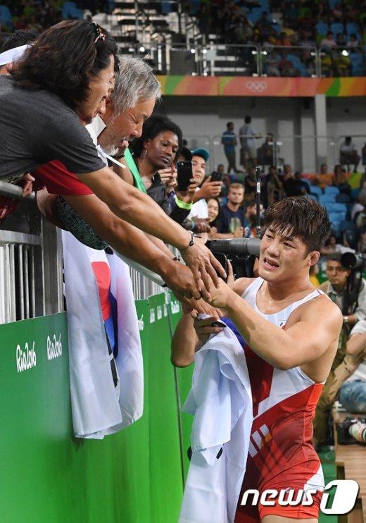[사진]'김현우 잘 싸웠다, 울지마'