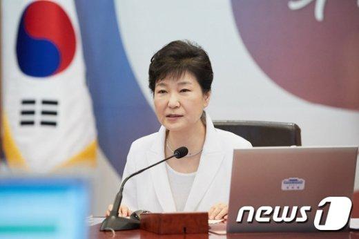 (청와대 제공) 2016.8.12/뉴스1 © News1 이광호 기자