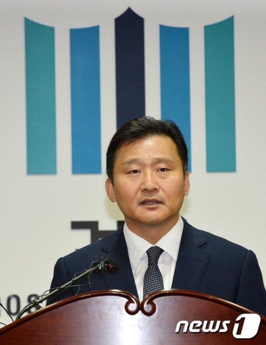 [사진]검찰 개혁방안 발표하는 대검 기조부장
