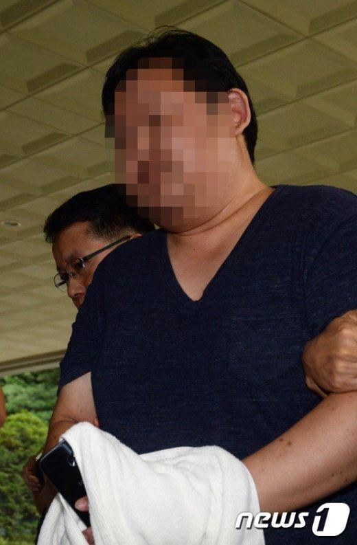 [사진]고교동창 부장검사에게 사건 무마 청탁한 김모씨 체포