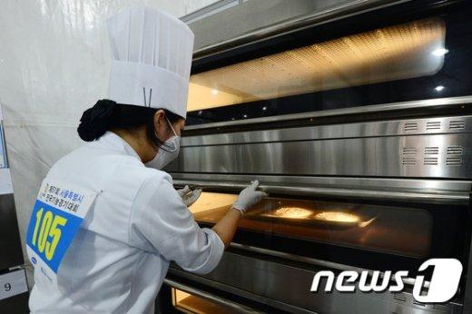 [사진]'맛있게 구워지는 빵'