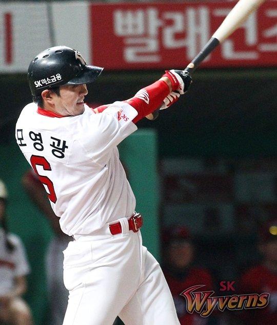 2안타 3타점을 올린 김성현. /사진=SK 와이번스 제공<br /> <br />