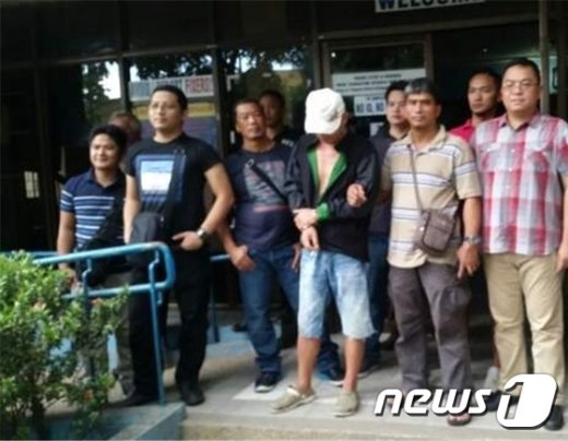 경찰청은 8월 5일 필리핀 세부 현지에서 필리핀으로 도피한 살인 피의자 강모씨(47)씨를 검거했다.(경찰청 제공) ©News1