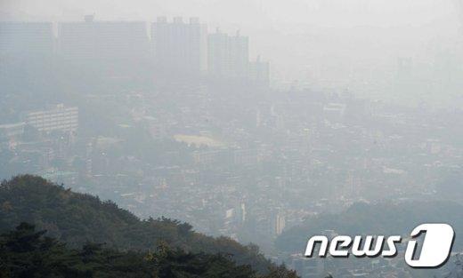 [사진]미세먼지로 뒤덮인 도심