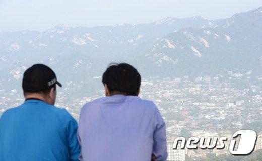 [사진]미세먼지로 뿌연 서울 도심