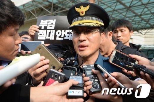 [사진]故 백남기 농민 유족 만난 경찰