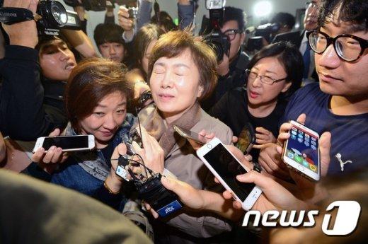 [사진]최경희 총장 '곤란하네'