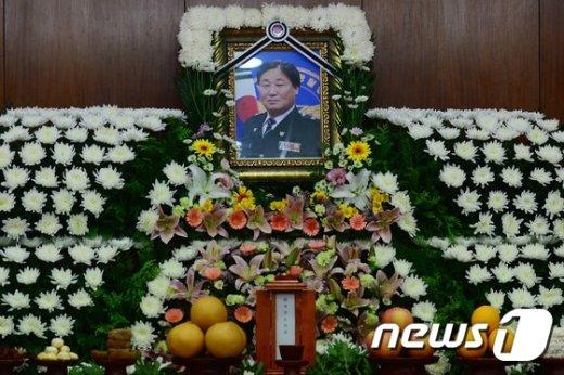 [사진]경찰병원에 마련된 故 김창호 경위 빈소