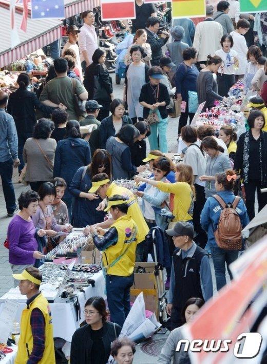 [사진]활기띠는 남대문시장