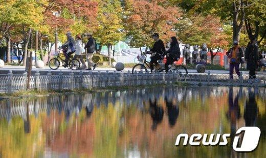 [사진]자전거탄 가을 풍경