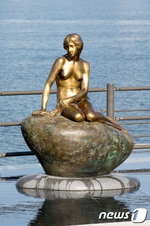 [사진]덴마크에서 온 인어공주 동상