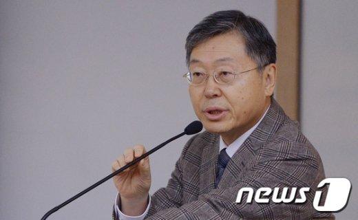 [사진]서울대 교수들, 법인화 이후 최초로 성낙인총장 중간평가