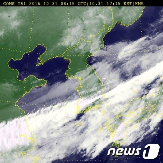 31일 오후 5시15분 한반도 위성(제공:기상청)© News1