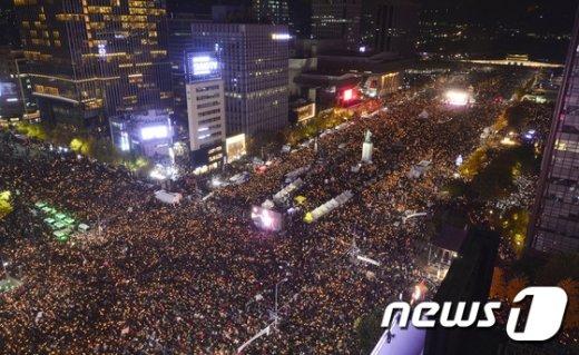 [사진]대한민국 민주주의 밝히는 촛불