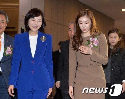 [사진]스포츠영웅 헌액식 참석하는 조윤선-김연아