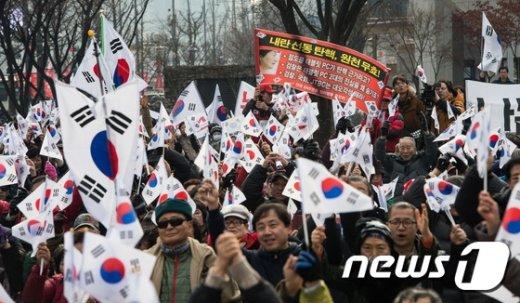 [사진]'탄핵무효' 주장하는 보수단체