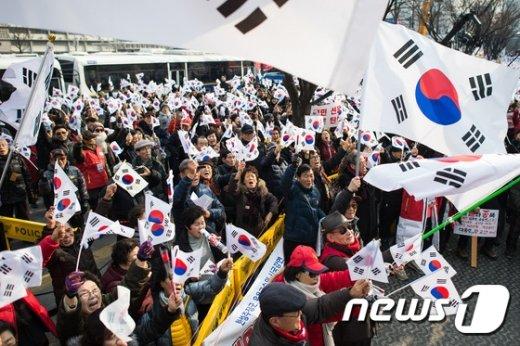 [사진]보수단체 '맞불집회'
