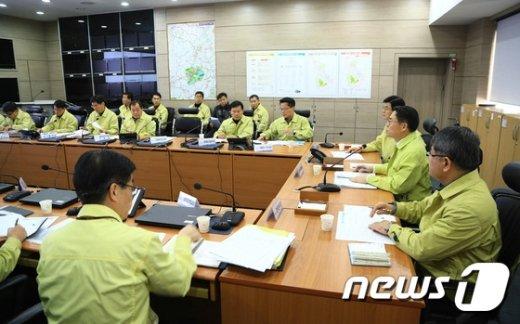 [사진]김재수 장관 AI 방역계획 점검