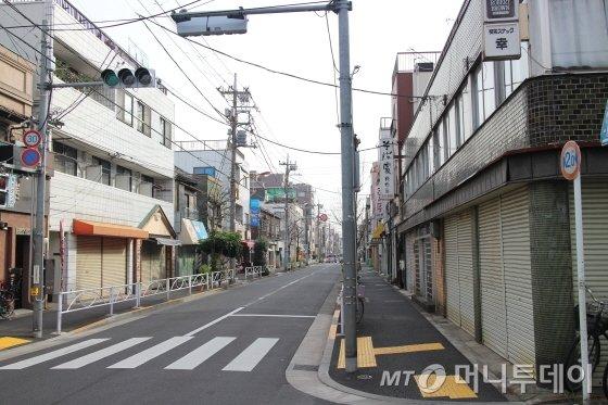 한산한 도쿄 스미다구 '키라키라타치바나 거리' 모습/사진=박경담 기자
