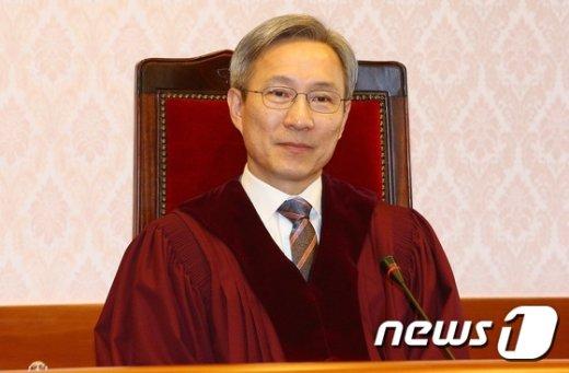 [사진]3차 준비절차기일에 참석한 강일원 재판관