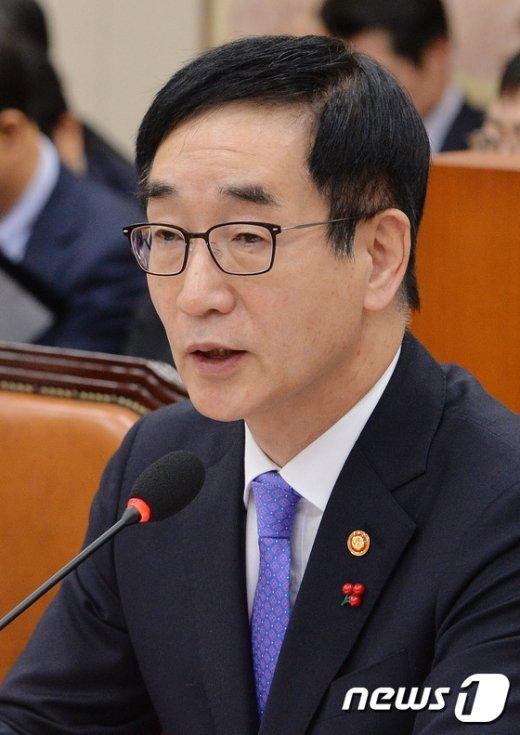이준식 사회부총리 겸 교육부 장관. /뉴스1 © News1
