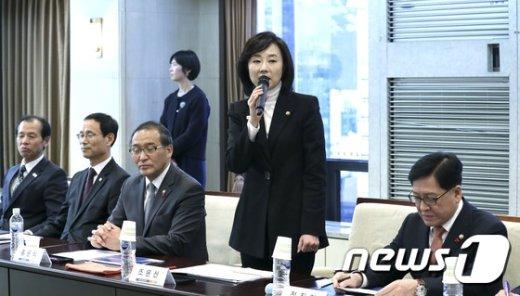[사진]조윤선 장관, 평창동계패럴림픽 무장애관광도시 협약식 참석