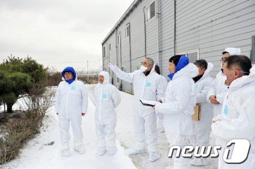 [사진]천안 철새도래지 방문한 이성호 차관